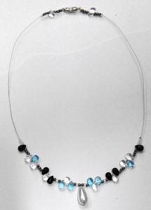 DSC_2668_blau schwarze swarowsky kette.JPG