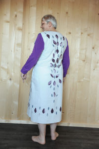 Stoffdruck, Kleid auberginefarben und grauen Tropfen, Erstellt 2013